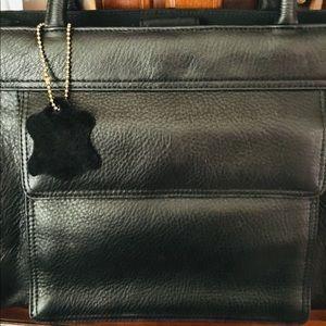 EUC, Black genuine leather Giani Bernini Purse.